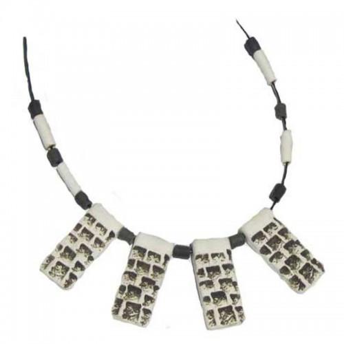 Collar 13