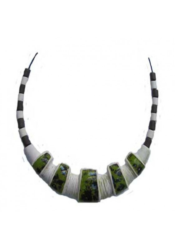Collier 26